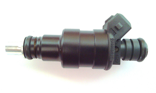New Bosch Fuel Injector 0280150364
