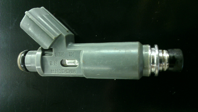 fuel injector nippondenso 23250 0H010